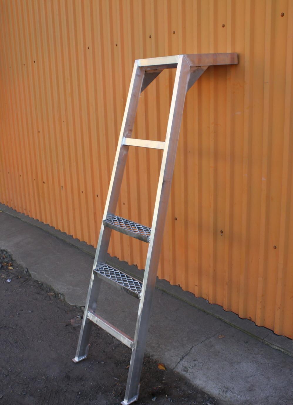 Приставная лестница с площадкой своими руками из дерева